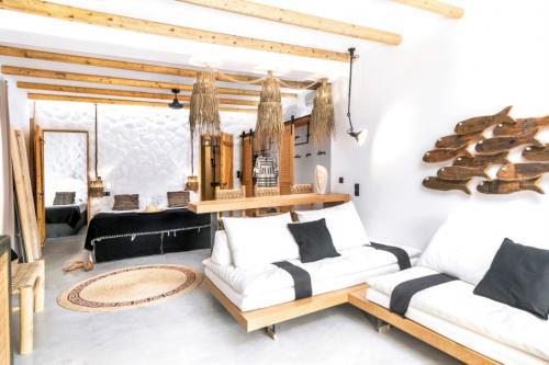 aqua_house_2_ideal_vacations_03